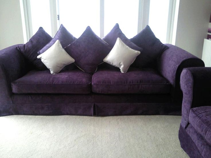 Purple Sofa, Each Color Used In Furniture Signifies Its Purpose. Using  Purple As A Color For A Sofa
