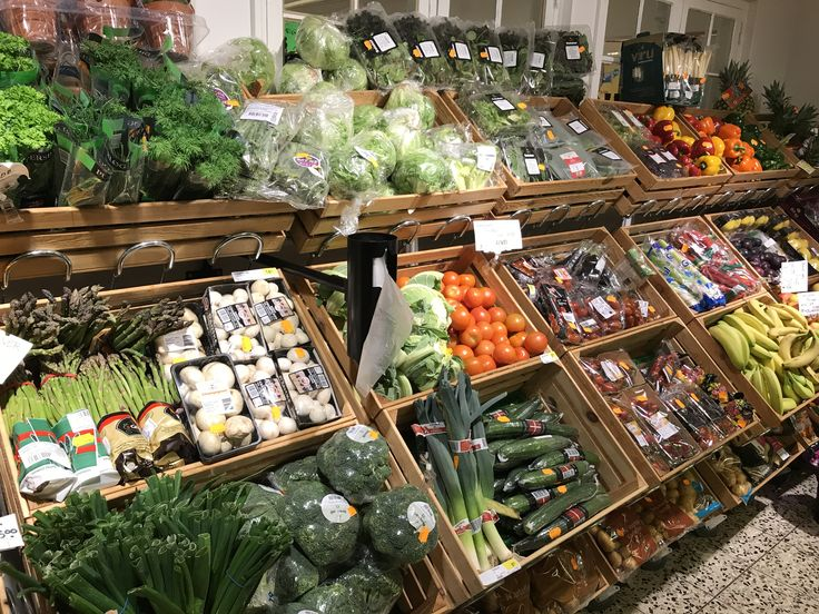 Købmandsbutikken, grøntafdelingen på Hvidbjerg Strand.