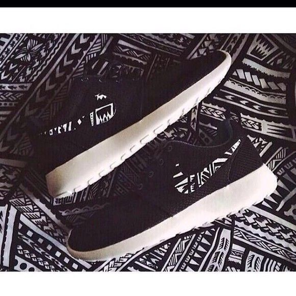 tribal shoes nike roshe run nike running shoes nike, but with more of the tribal print I think