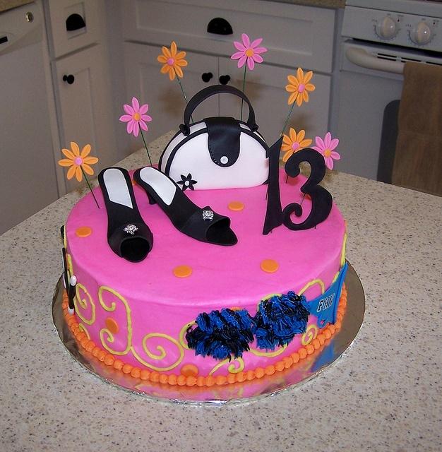 Perfect Teenage Girl Cake Me Likey Pinterest Girls