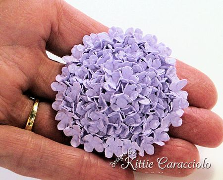 Hydrangea tutorial from Kittykraft. I just spent an hour making three piece flowers and was supposed to only usesmall Flowers. OH WELL, I will read the tutorial FIRST next time.