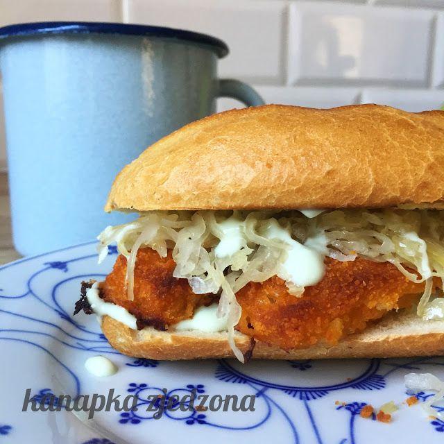 kanapka zjedzona: Bułka z rybą w panierce