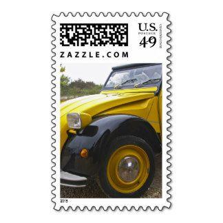 http://rlv.zcache.com/an_old_black_and_yellow_citroen_2cv_2_cv_postage-r22938da9eb9f4bcd8cb4bfc27bcc7458_zhonl_8byvr_324.jpg