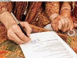 Order Fake Marriage Certificate Which Designed From Real One: As Marriage Certificate is considered as a prove of legitimate marriage, which is a vital document required for several official works like insurance, home ownership paper work, obtaining passport and several other important work. Order a replica marriage certificate from Superior Fake Degrees   at the urgent basis.