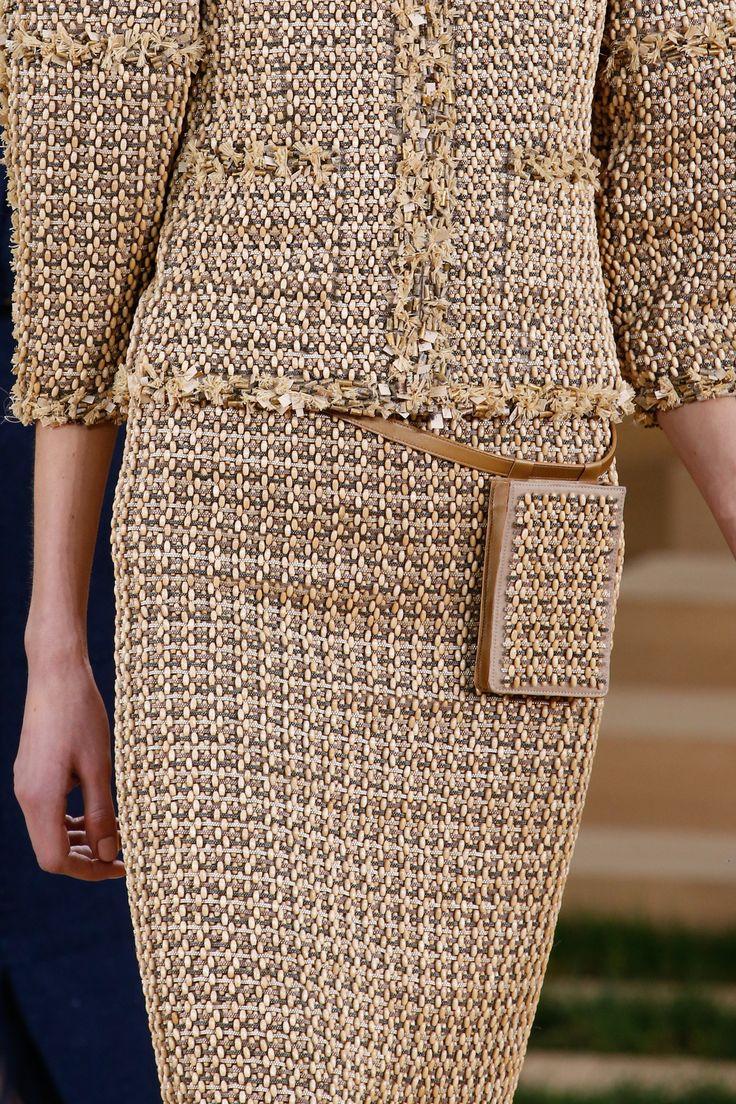 #Farbbberatung #Stilberatung #Farbenreich mit www.farben-reich.com Chanel Spring 2016 Couture Fashion Show Details