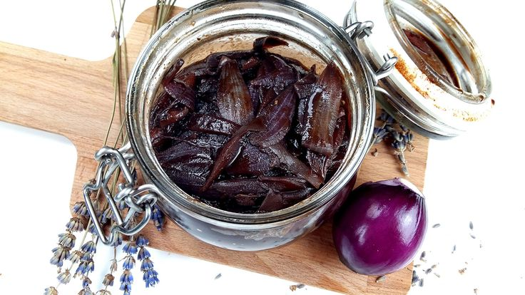 Onion jam with lavender by Spireats