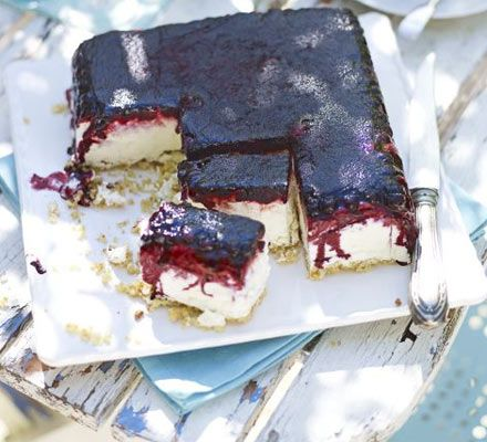 Iced blueberry & lime cheesecake