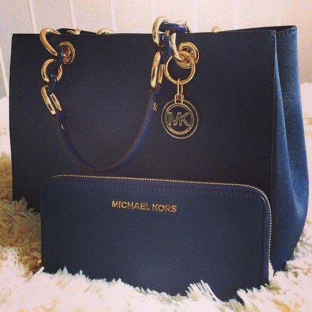 #MKBags OMG ! Im so in love! And some of them just cost $32.99.It never happened. #MichaelKors