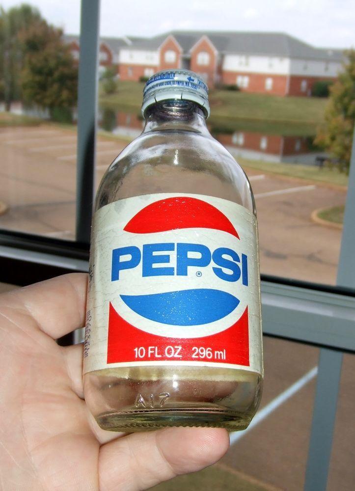 1462 Vintage 1980s Squatty 10 Oz Plastic Label Pepsi