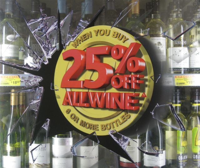 This 3D graphic was designed for wine coolers and installed across retail outlets of All Australia Wine in Australia to promote its season's offer of 25% off on 6 or more bottles.