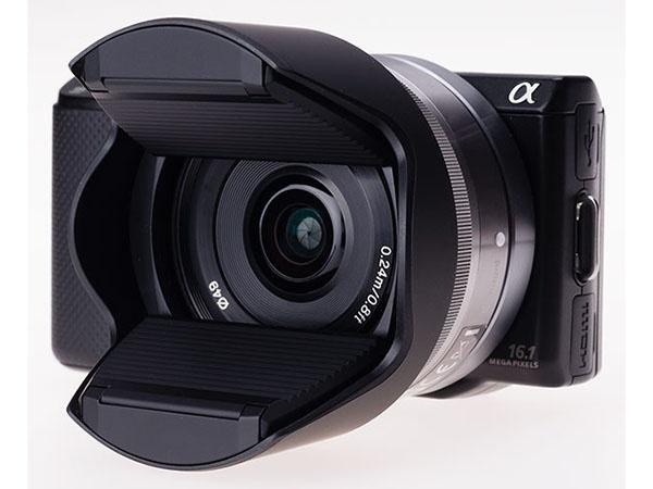 Hoocap combines lens hood and cap