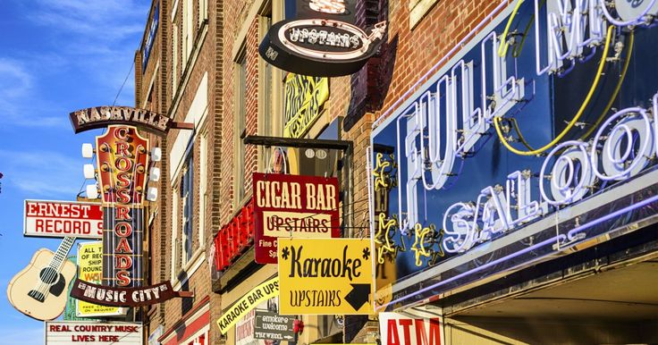 Live music! It's everywhere and for everyone in Nashville   http://www.stay.com/nashville/guides/623100-a4498190/a-country-singer-s-nashville-favorites/