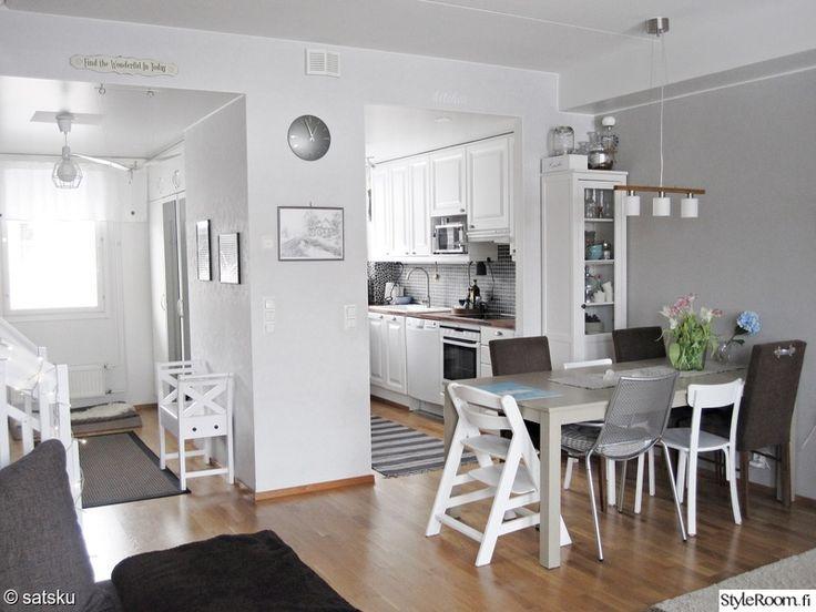 eteinen,olohuone,keittiö,vaalea,skandinaavinen