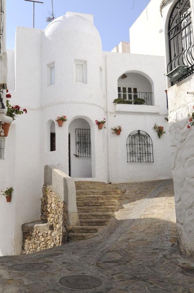 Mojacar Es Uno De Los Pueblos Con Más Encanto De La Costa Levantina Almeriense Su Arquitectura Popular De Casas Blancas Andalucia Spain Spain Travel Andalusia