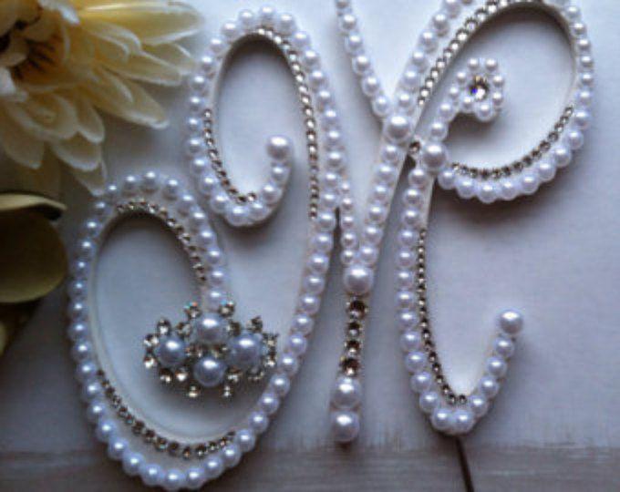 """Perla pastel Topper monograma Topper de la torta con extra Swarovski cristales letra M boda diseño """"Deslumbrante"""" cualquier letra A la Z"""