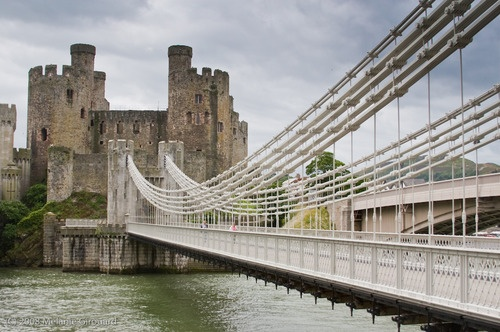Conwy Castle (by diluvienne)    Conwy, Wales: Rocks On, Suspen Chains, The Rocks, Wales, Suspension Chains, Conwi Castles, Suspension Bridges, Castles Stands, Castles Bi
