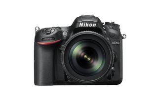 """Reflex Nikon D7200 Boîtier Nu. Appareil photo numérique reflex. Nombre de pixels : 24,2 Millions pixels. Taille écran : 3,2 """". Poids net : 765 g. Remise de 5% pour les adhérents.. Soldes d'hiver 2016 jusqu'à -45 %"""