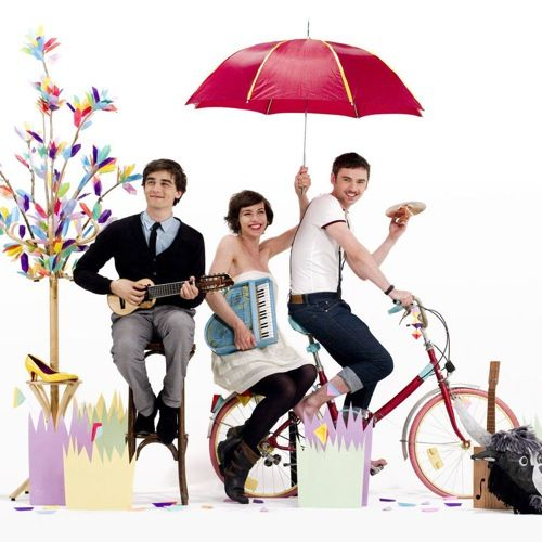 French indie pop trio. Twinkly and incredibly catchy music.