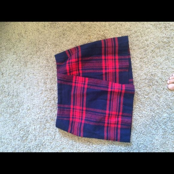 H and m mink school skirt size 4 without tags Beautiful bCk to school skirt from h and m new without tags H&M Skirts