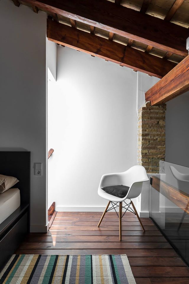 nowoczesna-STODOLA_loft-w-hiszpanii_ambau-taller-DArquitectes_19