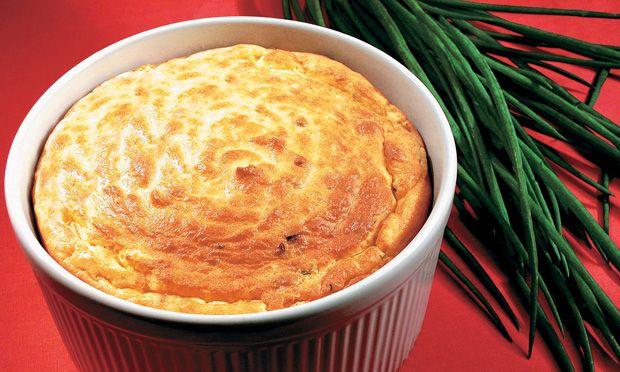 Suflê de batata com parmesão  Receita: http://mdemulher.abril.com.br/culinaria/receitas/sufle-batata-parmesao-394812.shtml