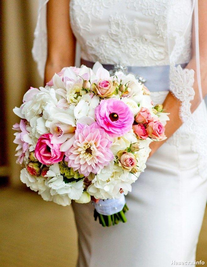 Букет невесты в розово-белых оттенках из астр, гортензий, роз и орхидей, Свадебное оформление и флористика, Букет невесты