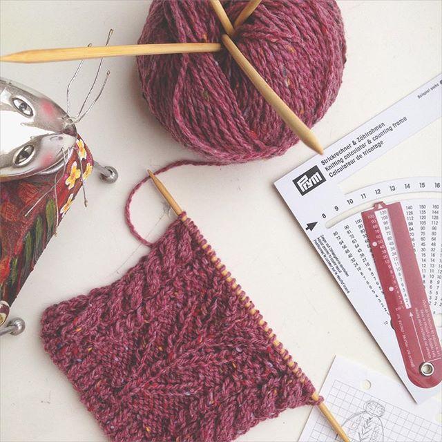 Последний неосвоенный клубочек , осталось доработать схему и воплотить идею  #tweed #idea #вяжутнетолькобабушки #instaknit #I_knit #instaknitting #knit_inspiration