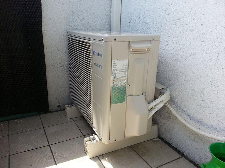 Jednostka zewnętrzna klimatyzatora firmy Fuji Electric, montaż w Warszawie