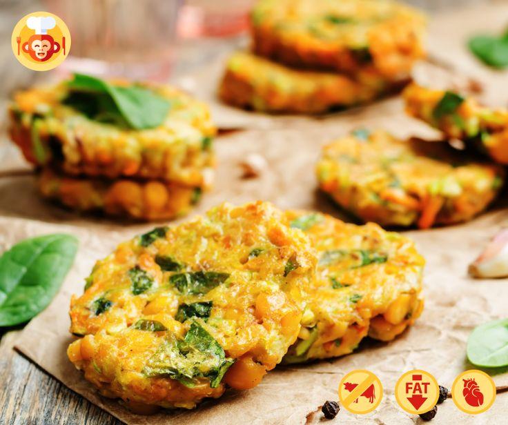 Wegetariańskie placuszki z ciecierzycy, cukinii i szpinaku.  #vegetarian #food #foodporn #foodmonkeys #recipe #spinach #chickpeas #zucchini #lunch
