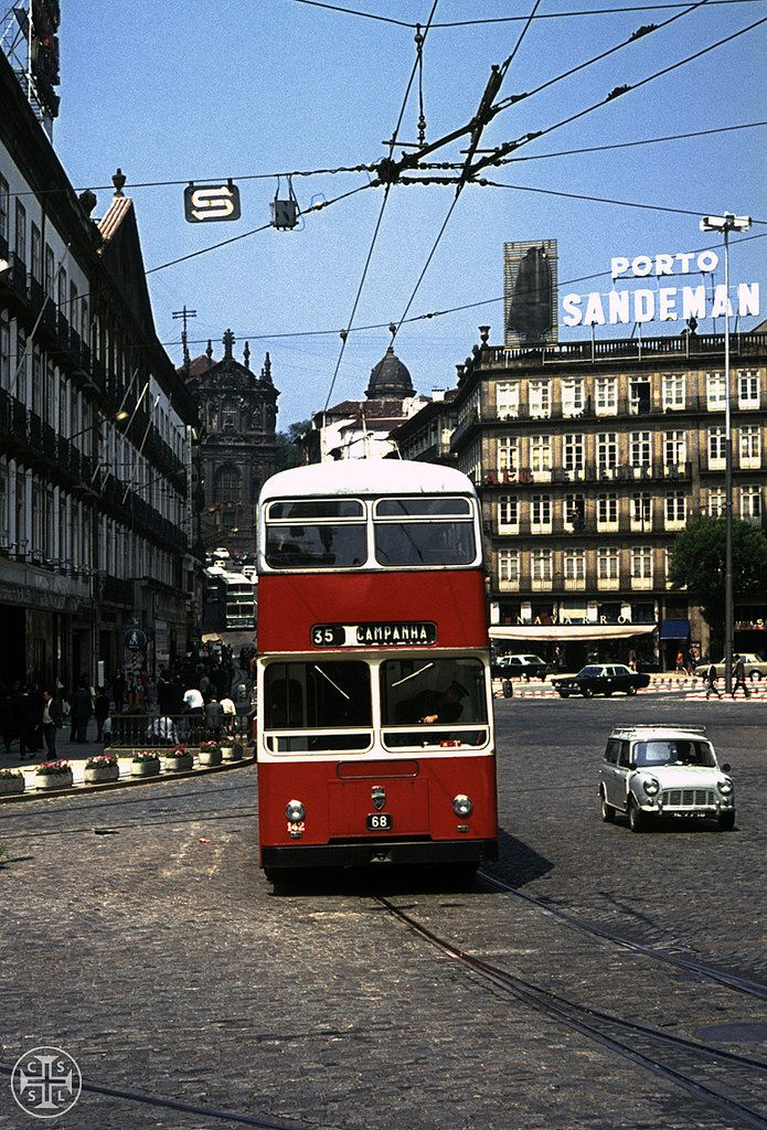 Troleis no Porto, cerca de 1970.