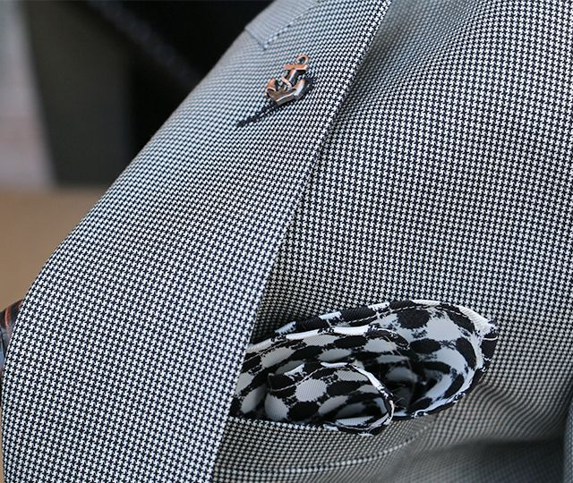 PIETER PETROS || CAPO I || We use only the finest quality of fabrics available in the market. #Capo1 is made out of 100% wool with Super 130s threads, weaved in a #Houndstooth pattern.