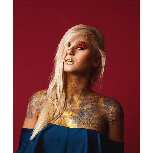 Еще фотка из серии -beauty wildness by Roman Skan Фото @romanskan Модель @kristi_an_ Визаж @milavskaya0407  #romanskan #romanskanvideo #backstage #fashion #model #photoshoot #beauty #photographer #instafashion #fashionmodel #style #colors #фотограф #фотографспб #спб