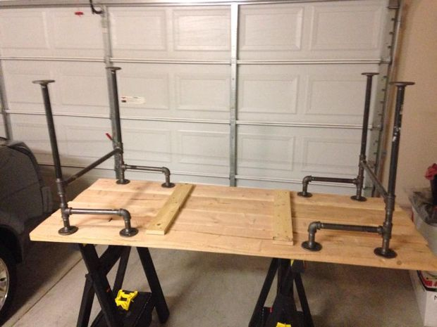 Metal Pipe Table Legs | Picture of Assemble the pipe legs
