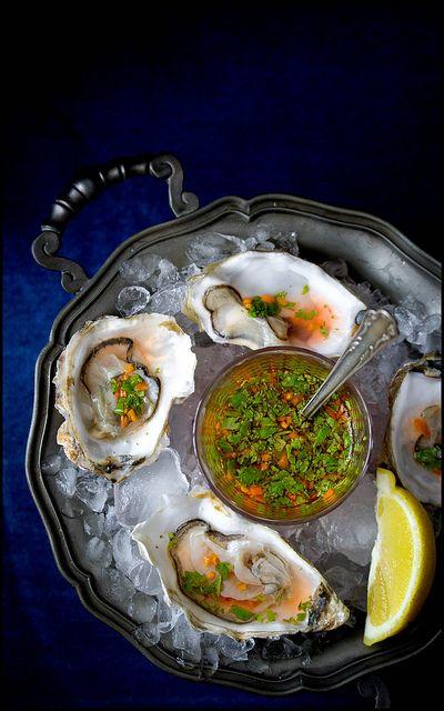 Austern mit Zitrusvinaigrette by jultchik7, via Flickr