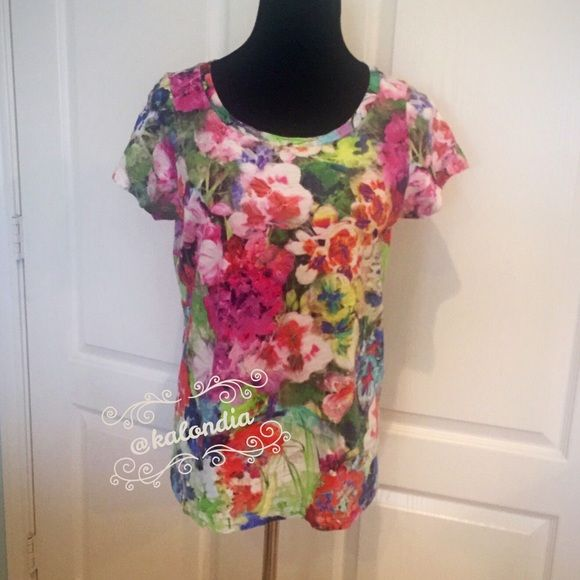 Lands End Women's Short Sleeve  Art Floral Tee So cute and colorful! Looks great all summer long! Lands' End Tops Tees - Short Sleeve