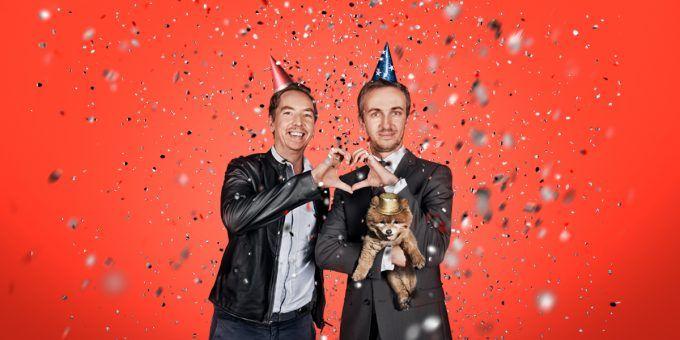 """Jan Böhmermann und Olli Schulz haben den Circus Roncalli für eine Nacht gemietet und nehmen dort eine neue Folge von """"Fest & Flauschig"""" auf."""