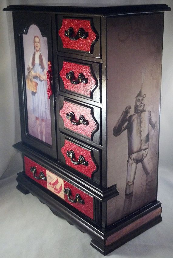 Dorothy and Friends Wizard of Oz Jewelry Box by CrystalsBoxShoppe, $72.00
