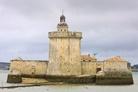 Le Fort Louvois à Bourcefranc-le-Chapus.  Ce bâtiment, imaginé par Vauban, visait à protéger l'accès au port de Rochefort. Il est le petit frère du Fort Boyard !