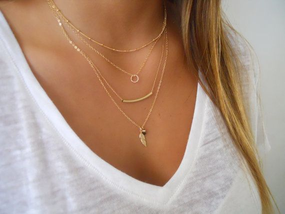 Delicate set of 4 Gold Necklaces Layered Gold von annikabella