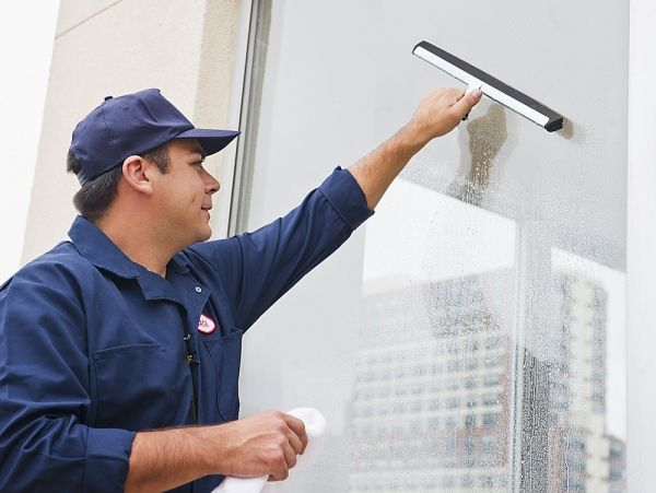 Our professional Melbourne window cleaners are providing solutions for the different places or buildings to choose from best package.