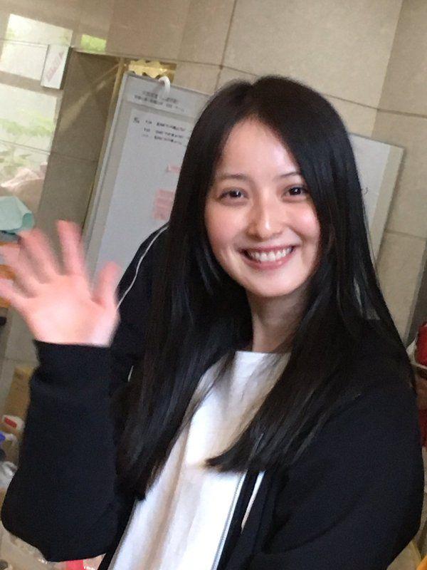 画像】 佐々木希さんがスッピンで熊本県益城町で炊き出し参加 男達が ...