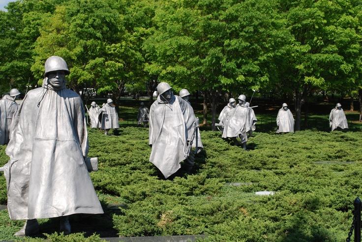 Korean War Memorial, Washington DC, USA.: Shrub