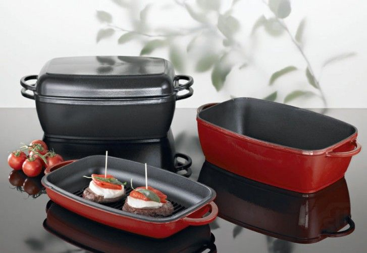 Nadaje się do wszystkich płyt grzewczych - również indukcyjnych  wysokiej jakości żeliwo emaliowane  znakomite rozprowadzanie temperatury  idealny do smażenia, gotowania, grillowania, ZAPIEKANIA, smażenia, duszenia i wolno gotowanego jedzenia  Pokrywa z wysokiej jakości żeliwa emaliowanego może być użyta jako patelnia z grillem  można stosować w piekarniku       Żeliwo jes...