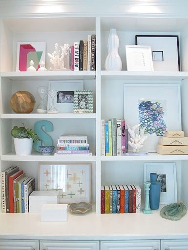 Bookshelf styling idea. I like this one because it has actual books