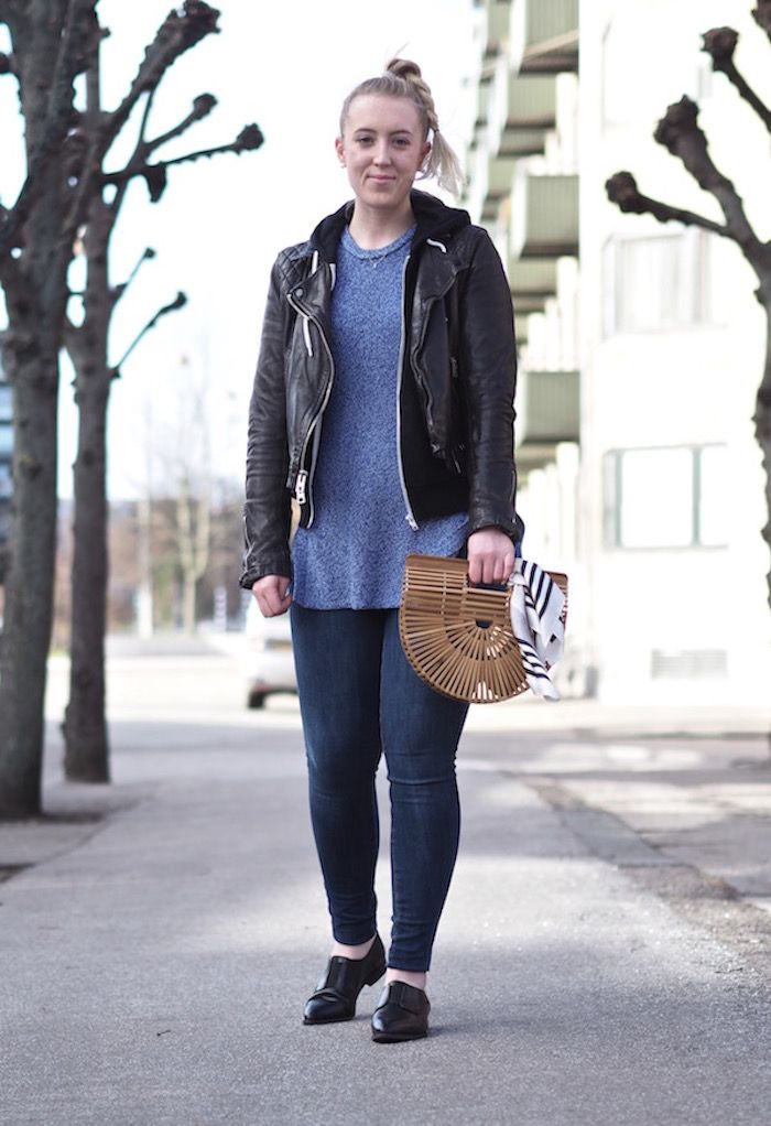 3 Reasons you Need a Pair of Loafers - Strungingold {American Eagle Jeans, Pavement Loafers, Aritzia Scarf, sweater, Cult Gaia Bag}