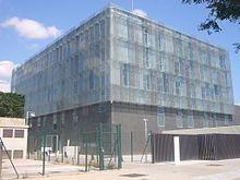 La Masia - WikipédiaPôvodná stavba sám bol starovekej krajiny bydliska (In katalánčine : Masia ) Postavený v roku 1702, a akonáhle Camp Nou bol slávnostne otvorený v roku 1957, bola budova prestavaná a rozšírená pre použitie ako sociálne sídle klubu. S postupným rozširovaním klubu, sa budova stala príliš malé pre ústredie, a 20. októbra 1979 La Masia bol premenený na ubytovni pre mladých hráčov z vonka Barcelony. 30. júna 2011, budova Masia prestala bývanie mladých športovcov, ktorí sú…