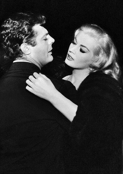 """Marcello Mastroianni and Anita Ekberg. """"La dolce vita"""" (1960). Federico Fellini"""