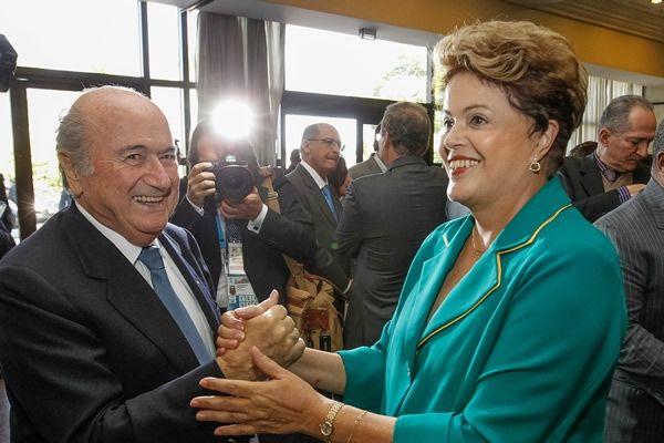 Además de Joseph Blatter, Presidente de la FIFA, la Presidenta de Brasil, Dilma Rousseff se hizo presente acompañada por mandatarios como Rafael Correa de Ecuador, el primer ministro de Croacia, Zoran Milanovic y Evo Morales, Presidente de Bolivia.