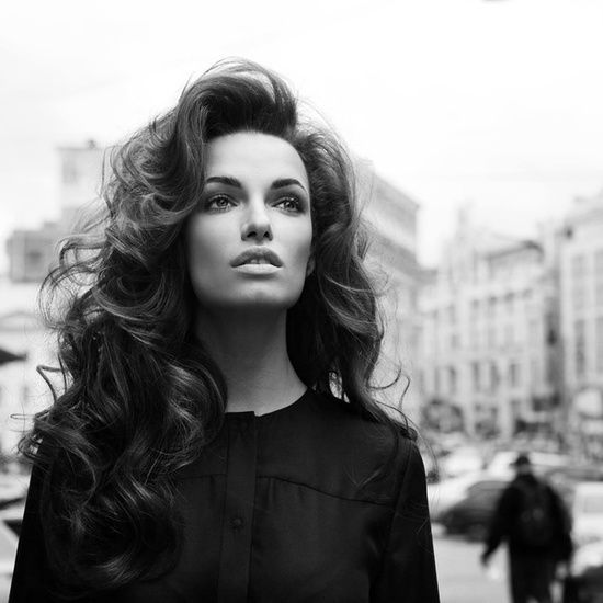 This has got to be my absolute favorite look ever. I'm obsessed with big hair with soft big curls brushed out. This will be my wedding hair just a half up half down!!!! | http://cosmeticschannel.blogspot.com