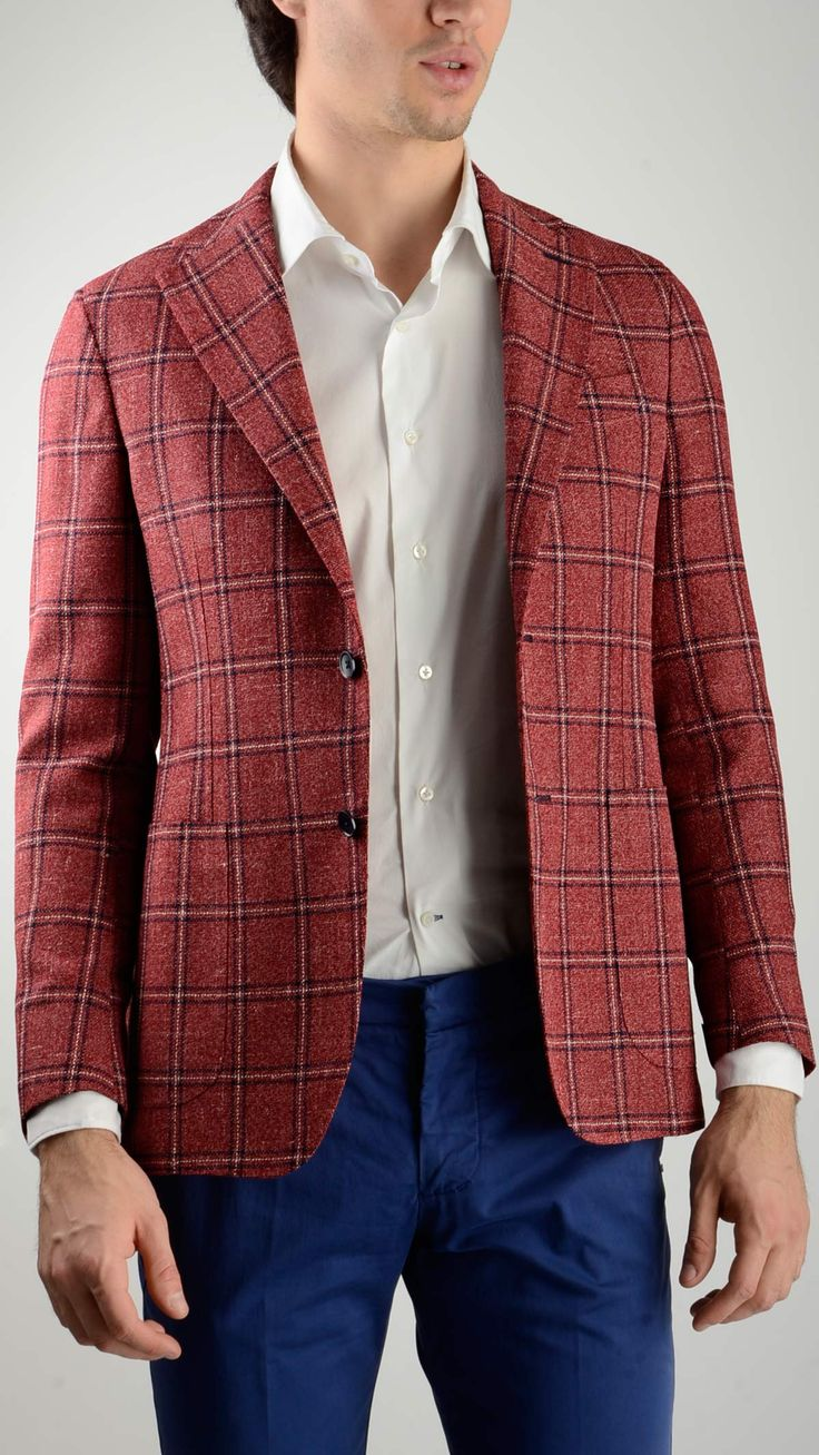 Red%20checked%20blazer%20in%20wool%20blend%20featuring%20Neapolitan%20shoulder,%20notch%20lapel,%20two%20button%20front%20fastening,%20four%20button%20sleeve%20with%20unopened%20buttonhole,%20two%20side%20patch%20and%20a%20chest%20welt%20pockets,%20internal%20pockets,%20side%20vents,%20regular%20drop,%2075%%20wool%2010%%20silk%2010%%20polyamide%205%%20linen.